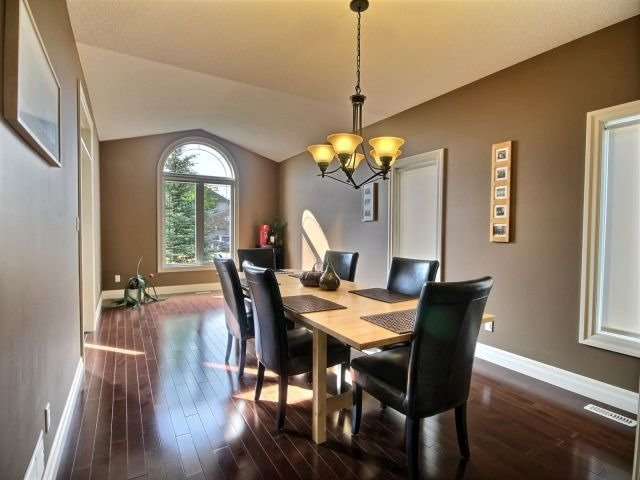 Detached at 2072 Westpoint Hts, London, Ontario. Image 20