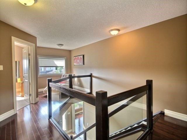 Detached at 2072 Westpoint Hts, London, Ontario. Image 4