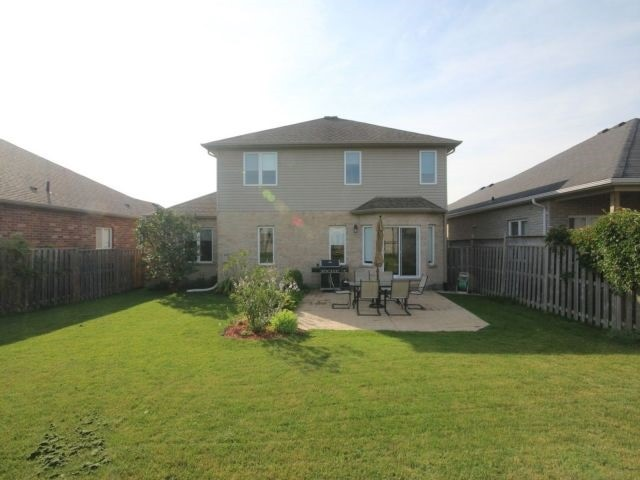 Detached at 2072 Westpoint Hts, London, Ontario. Image 13