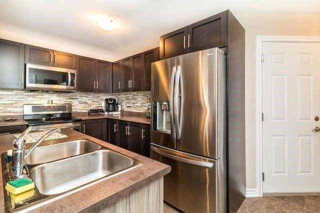 Detached at 77 Avery Cres, Unit 4, St. Catharines, Ontario. Image 19