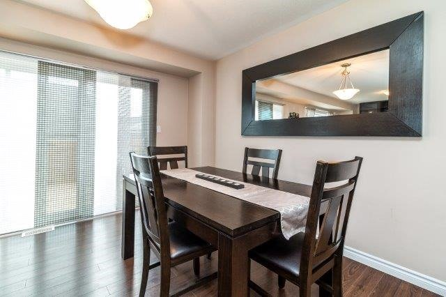 Detached at 77 Avery Cres, Unit 4, St. Catharines, Ontario. Image 2