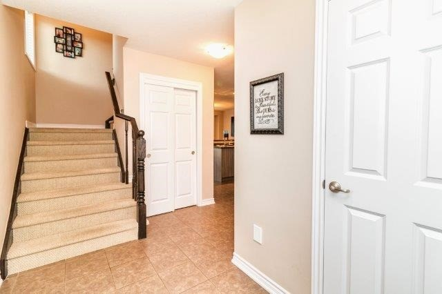 Detached at 77 Avery Cres, Unit 4, St. Catharines, Ontario. Image 3