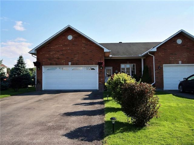 Townhouse at 49 Melville Rd, Arnprior, Ontario. Image 1