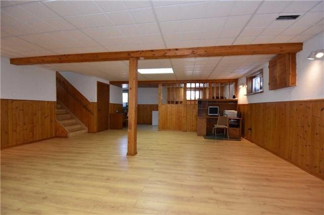 Duplex at 6 Viewmount Cres, Hamilton, Ontario. Image 13