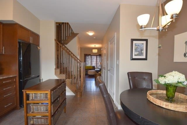 Townhouse at 6 Chestnut Dr, Unit 60, Grimsby, Ontario. Image 13