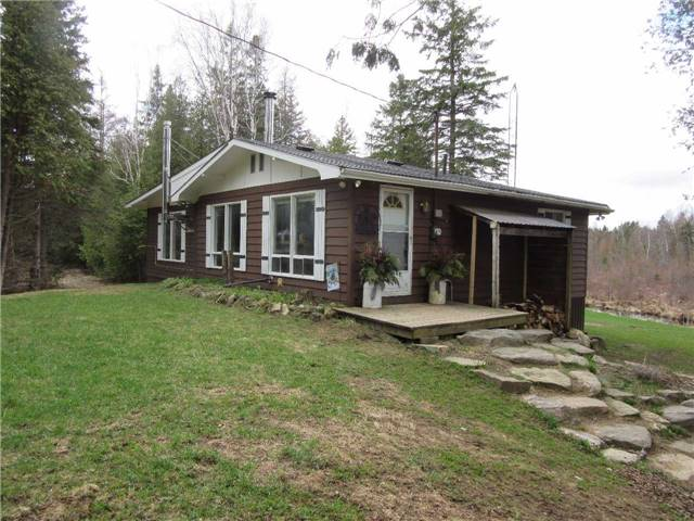 Detached at 133472 Wilcox Lake Rd, Grey Highlands, Ontario. Image 1