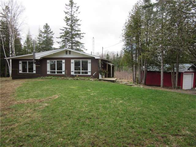 Detached at 133472 Wilcox Lake Rd, Grey Highlands, Ontario. Image 11