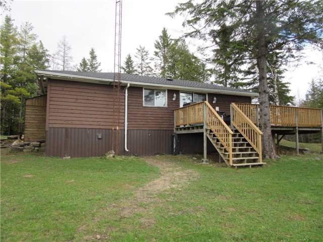Detached at 133472 Wilcox Lake Rd, Grey Highlands, Ontario. Image 14