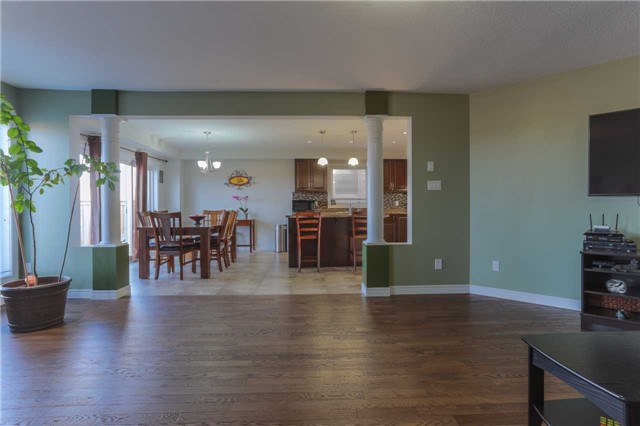 Detached at 140 Taylor Dr, East Luther Grand Valley, Ontario. Image 2