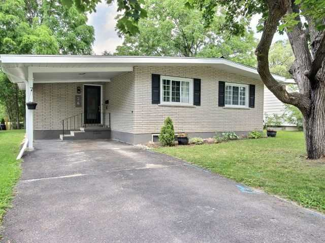 Detached at 26 Glenview Cres, Perth, Ontario. Image 1