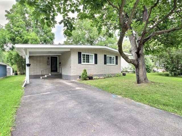 Detached at 26 Glenview Cres, Perth, Ontario. Image 12