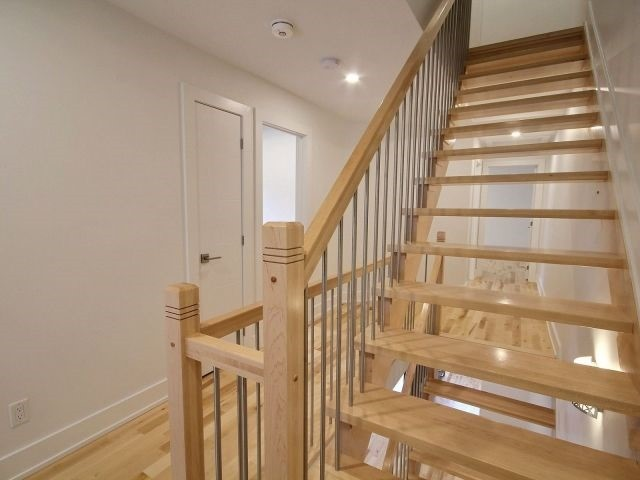 Semi-detached at 1047 North River Rd, Ottawa, Ontario. Image 20