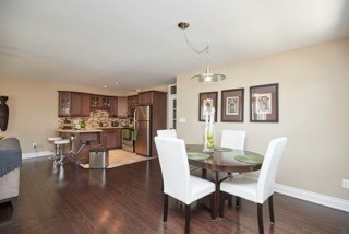 Detached at 11 Oakwood Ave, St. Catharines, Ontario. Image 14