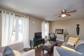 Detached at 11 Oakwood Ave, St. Catharines, Ontario. Image 16