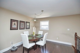 Detached at 11 Oakwood Ave, St. Catharines, Ontario. Image 3