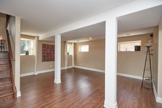 Detached at 11 Oakwood Ave, St. Catharines, Ontario. Image 7