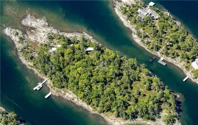 Cottage at B-566 Tibbett Island, The Archipelago, Ontario. Image 1