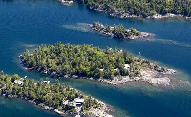 Cottage at B-566 Tibbett Island, The Archipelago, Ontario. Image 4