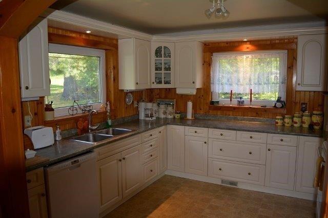 Cottage at 114 Addington Road 8, Addington Highlands, Ontario. Image 13