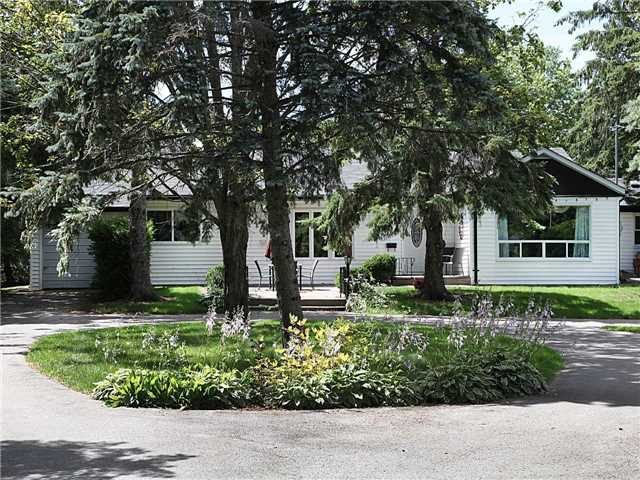 Detached at 209 Angeline St N, Kawartha Lakes, Ontario. Image 1
