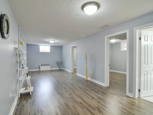 Detached at 193 Couling Cres, Guelph, Ontario. Image 8