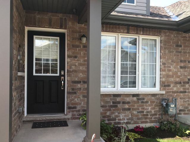 Townhouse at 129 Roselawn Cres, Welland, Ontario. Image 2