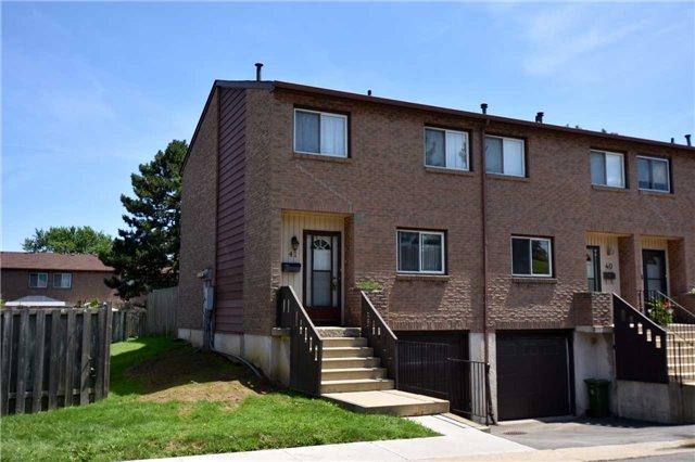Condo Townhouse at 250 Magnolia Dr, Unit 41, Hamilton, Ontario. Image 1