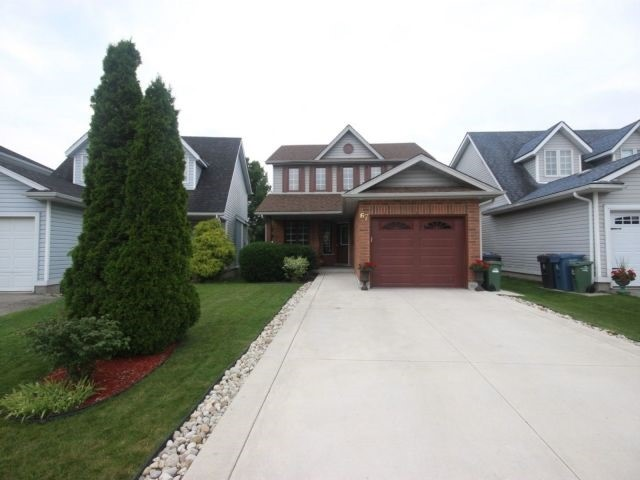 Detached at 67 Waxwing Cres, Guelph, Ontario. Image 12