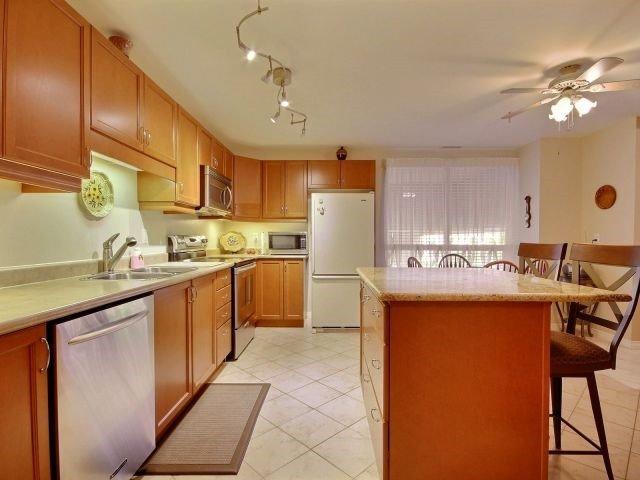 Condo Apartment at 3000 Creekside Dr, Unit 201, Hamilton, Ontario. Image 18