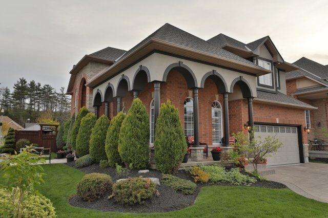 Detached at 10 Chardonnay Pl, Grimsby, Ontario. Image 1