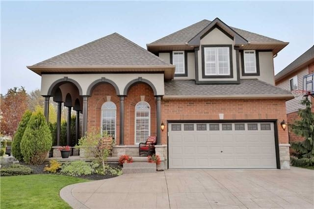 Detached at 10 Chardonnay Pl, Grimsby, Ontario. Image 12