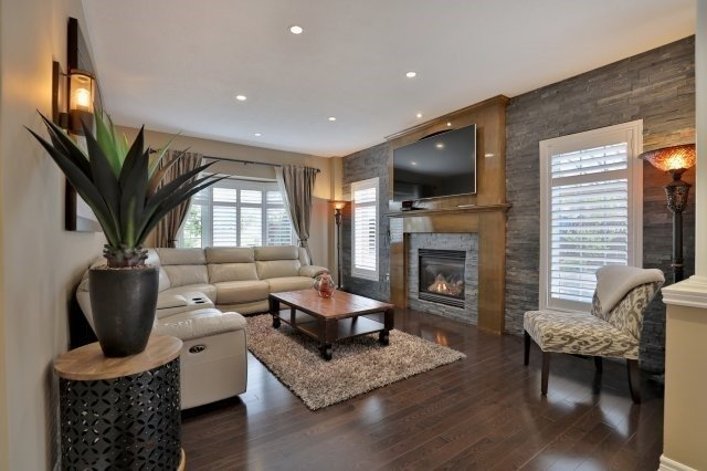 Detached at 10 Chardonnay Pl, Grimsby, Ontario. Image 20