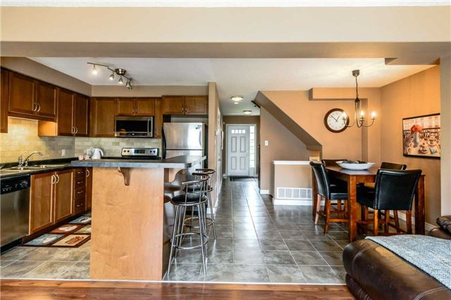 Townhouse at 4470 Comfort Cres, Lincoln, Ontario. Image 15