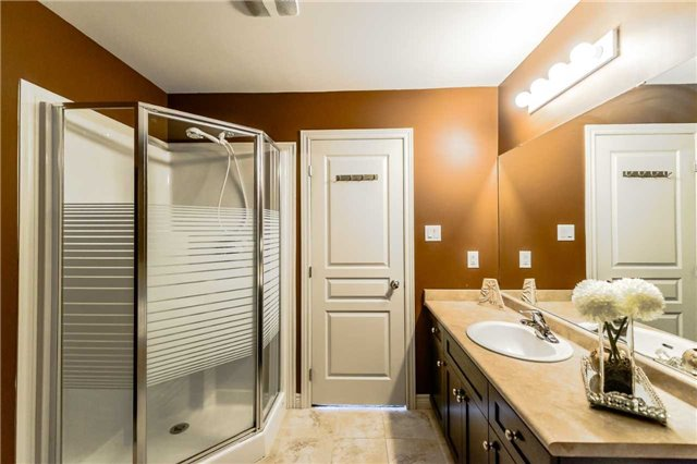 Townhouse at 4470 Comfort Cres, Lincoln, Ontario. Image 4