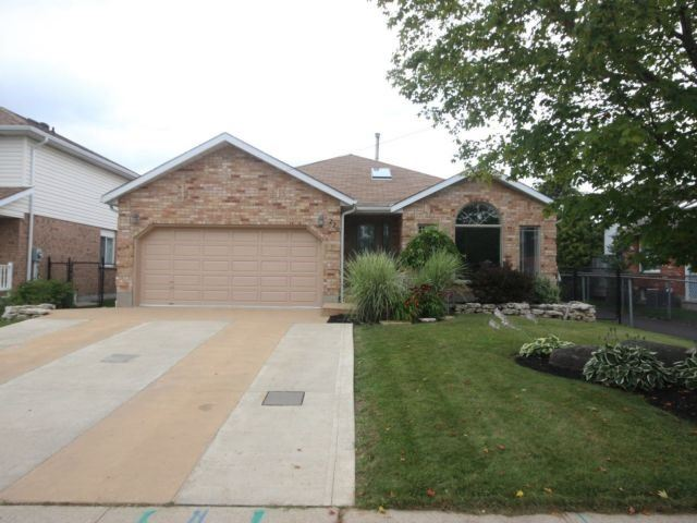 Detached at 226 Elmira Rd South Rd, Guelph, Ontario. Image 1