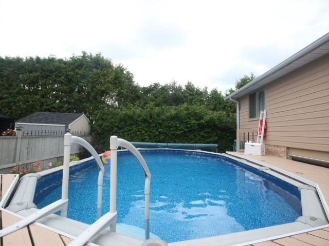Detached at 226 Elmira Rd South Rd, Guelph, Ontario. Image 7