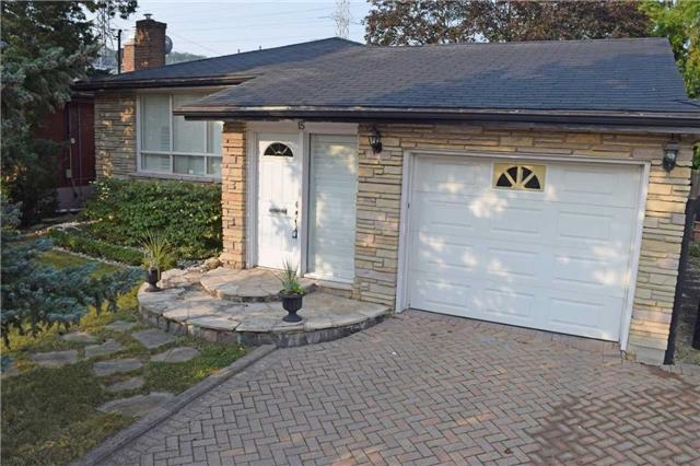 Detached at 15 Yarmouth Crt, Hamilton, Ontario. Image 1