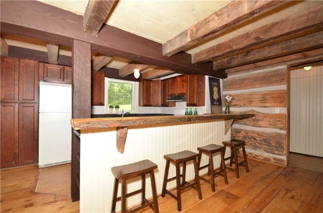 Detached at 9479 Sideroad 17, Erin, Ontario. Image 4