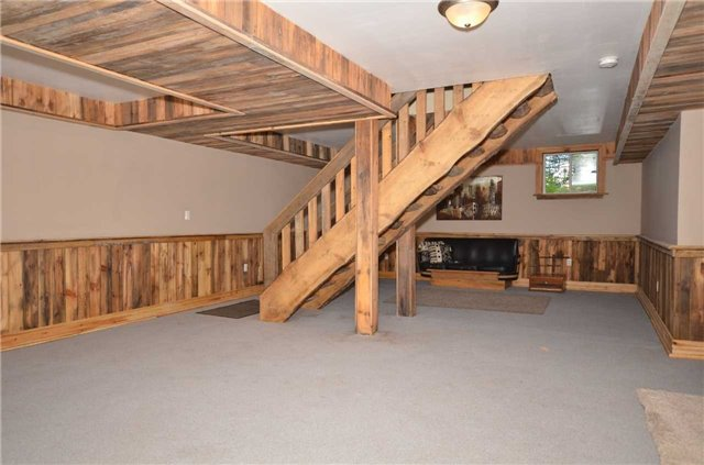 Detached at 9479 Sideroad 17, Erin, Ontario. Image 10