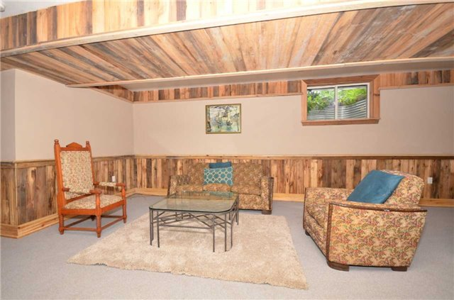 Detached at 9479 Sideroad 17, Erin, Ontario. Image 11