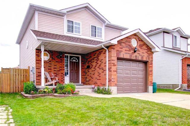 Detached at 100 Tara Cres, Kitchener, Ontario. Image 1