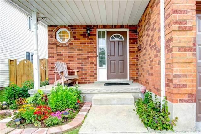 Detached at 100 Tara Cres, Kitchener, Ontario. Image 11