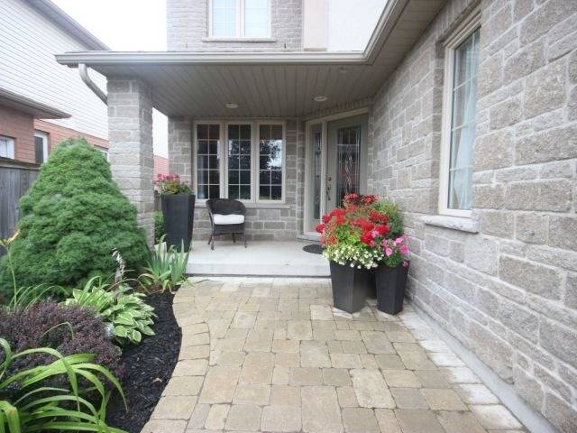 Detached at 51 Clairfields  Dr W, Guelph, Ontario. Image 12