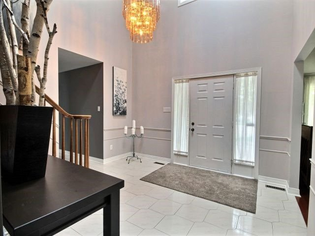 Detached at 27 Caithness Crt, London, Ontario. Image 11