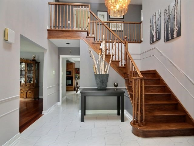 Detached at 27 Caithness Crt, London, Ontario. Image 13