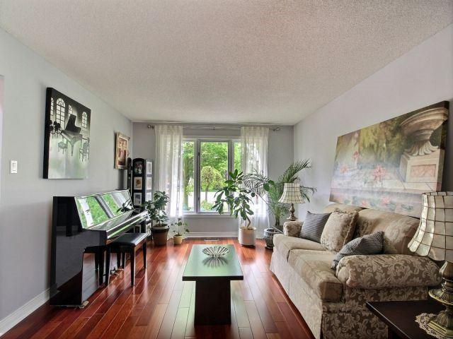 Detached at 27 Caithness Crt, London, Ontario. Image 18