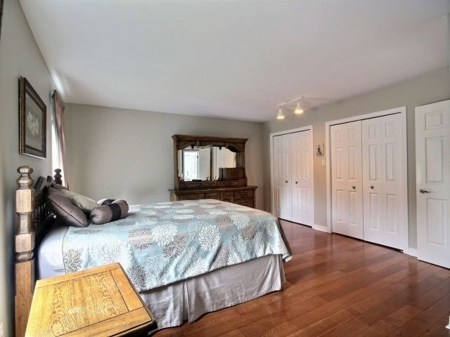Detached at 27 Caithness Crt, London, Ontario. Image 2
