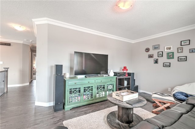 Detached at 30 Finoro Cres, Woolwich, Ontario. Image 11