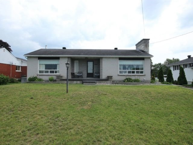Detached at 2439 Raymond St, Clarence-Rockland, Ontario. Image 12