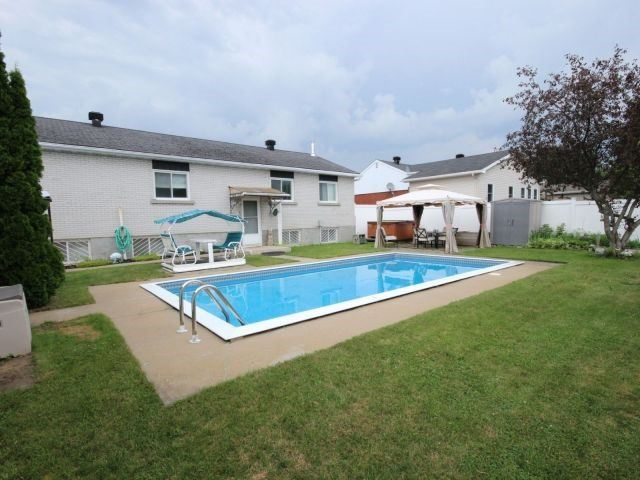 Detached at 2439 Raymond St, Clarence-Rockland, Ontario. Image 14